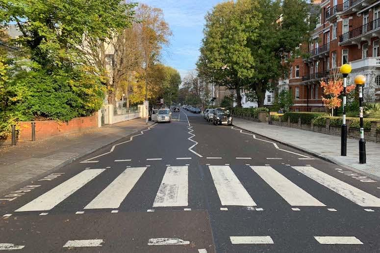Abbey Road, un domingo a las 6 de la mañana.