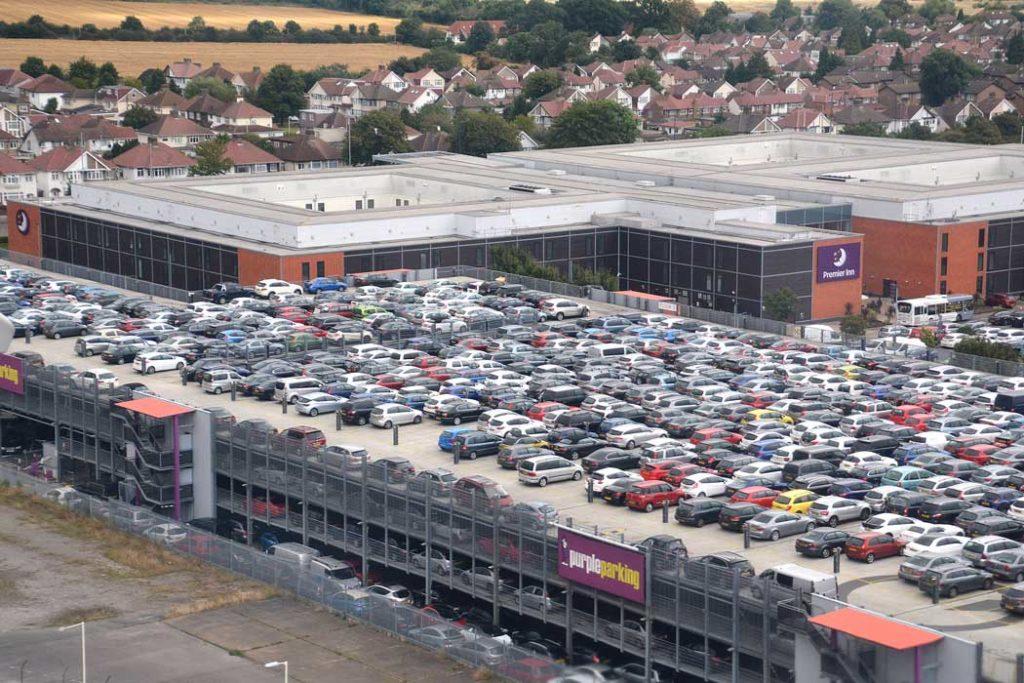 Garaje de PurpleParking en Heathrow - Foto de Archivo